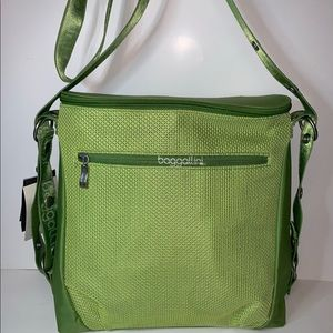 NWT Baggallini green brisk bag